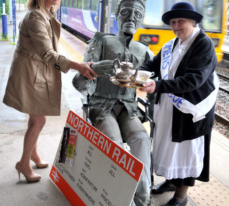 Universal Soldier has first class arrival into Knutsford ahead of Proms
