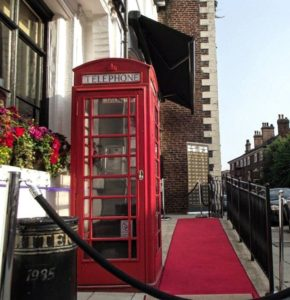 © Knutsford Promenades - Don Giovanni phone box